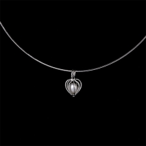 The secretive love - pendant - pearl culture
