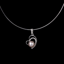 The love heart - pendant - cultured pearl