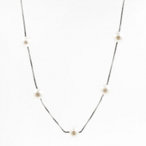 Fine and easy to carry - Necklace - Cultured pearl
